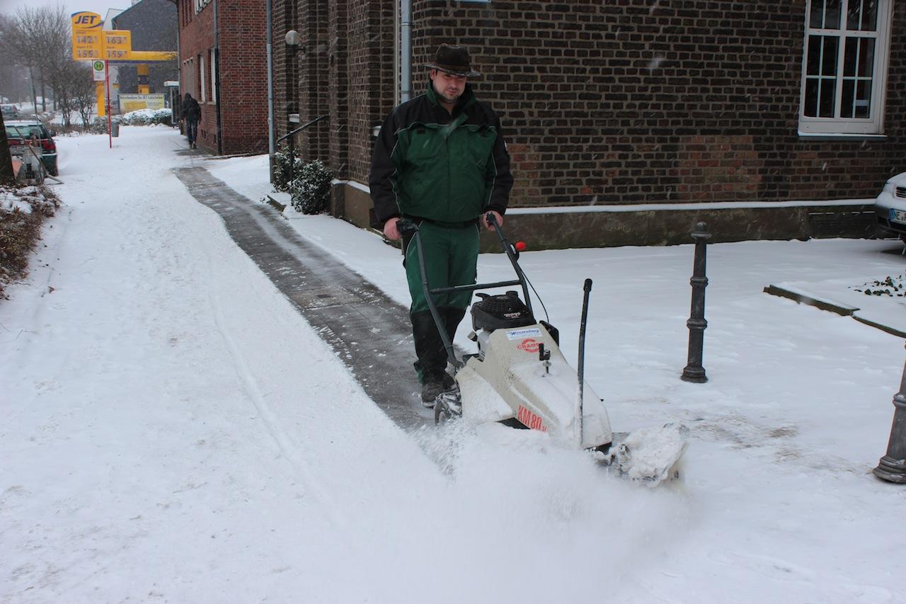 Winterdienst in neuss schneer umen kaarst meerbusch k sters garten und landschaftsbau - Winter gartenbau ...